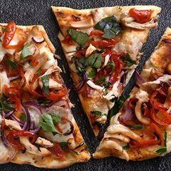Rustic-Chicken-and-red-onion-with-Piquante-Pepper-pizza-240x240